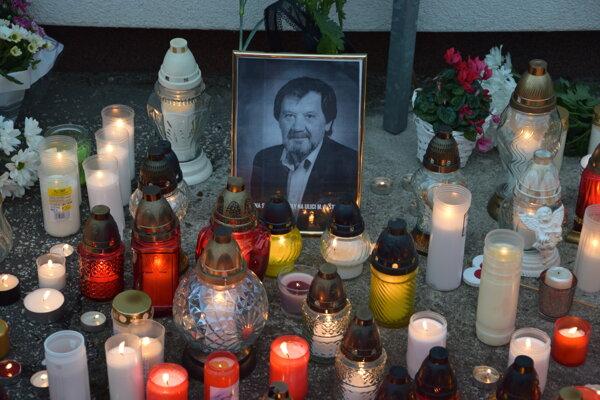 Tichá spomienka na učiteľa Jaroslava Budza sa uskutočnila už v deň tragédie.