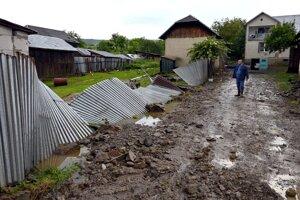 Povodeň poškodila každého obyvateľa obce Pichne.