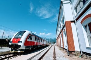 Dvojčlánkových DMJ bude na Slovensku 14, prvé dva idú do Zvolena.