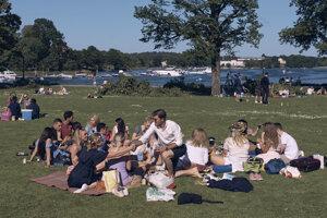 Oslava letného slnovratu v Štokholme.
