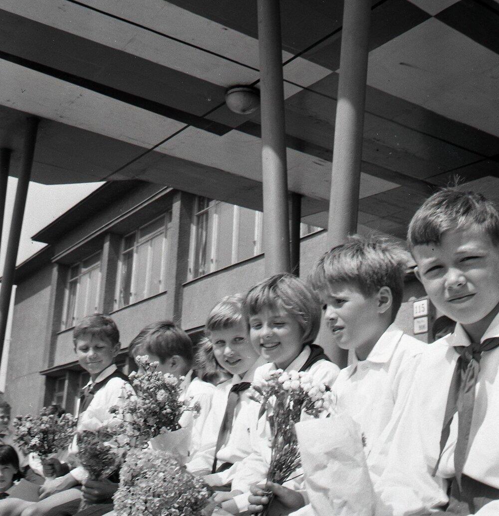 1967. Žiaci z bratislavskej základnej školy.