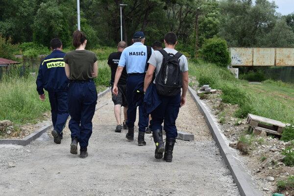 Po nezvestnej advokátke pátrali členovia pohotovostného pátracieho tímu aj dobrovoľní hasiči.