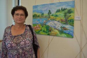 Emília Muličaková so svojou maľbou Bobry.