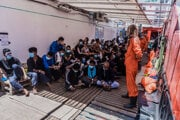 Migranti na palube lode Ocean Viking.