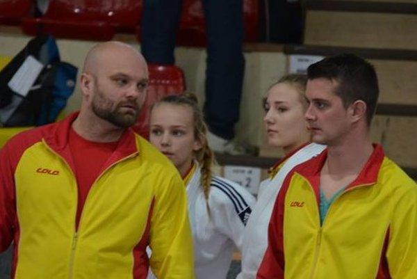 Tréneri Junioru Michal Bokor (vľavo) a Marek Porteleky.