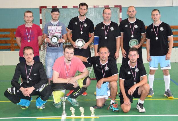 Strieborné medaile za sezónu 2019/2020 patria Vlkom.