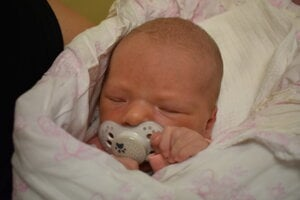 Lívia Medveďová (2840 g, 47 cm) sa narodila 16. júna Michaele a Matúšovi z Nového Mesta nad Váhom.