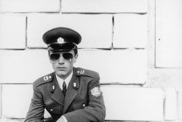 Róbert Remiáš počas štúdia na strednej škole pohraničnej stráže v Holešove. Nastražená výbušnina ho zabila 29. apríla 1996.