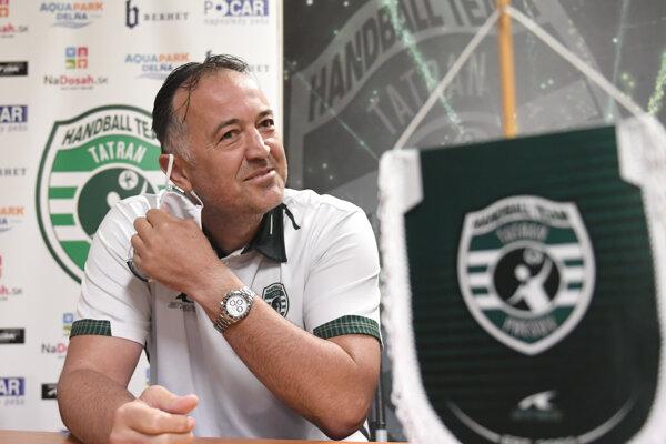 Zrušenie turnaja v Bosne i zápasu v Maďarsku zaskočilo aj trénera Prešova Slavka Golužu.