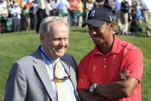 Jack Nicklaus (vľavo) a Tiger Woods.
