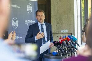Premiér Igor Matovič na tlačovej besede k téme jeho odpísanej diplomovky.