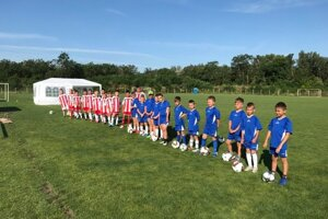 Nástup mladých futbalistov SSC FÉNIX