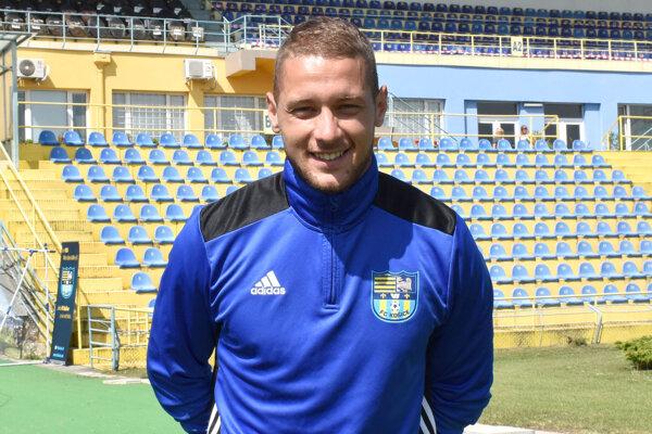 Brankár Matúš Kira v utorok podpísal s Košicami zmluvu a hneď sa aj zapojil do tréningu.