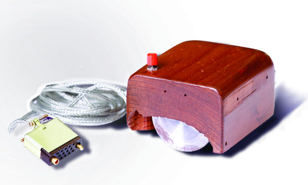 Prototyp myši, ktorý William English pomohol zostrojiť v roku 1963.