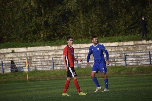 Tomáš Tlelka (v modrom) patrí medzí lídrov FK Čadca.