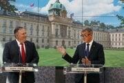 Český premiér Andrej Babiš a americký minister zahraničných vecí Mikeo Pompeo v priebehu stretnutia v Prahe..