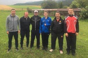 Zľava: Marián Smik, Milan Piatrik (predseda klubu), Ján Stráňay, Radoslav Šramo, Peter Pittner, Jakub Švento.