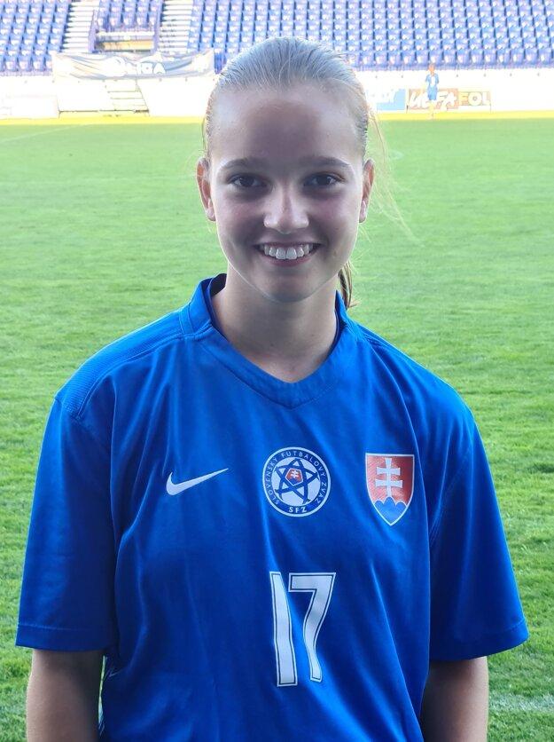 Mladá Košičanka v drese národného tímu.