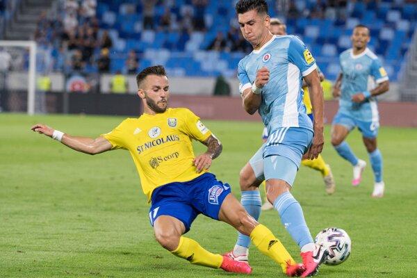 Minulý utorok hrali Michalovce na Slovane, ktorého hráč je pozitívny test na koronavírus.