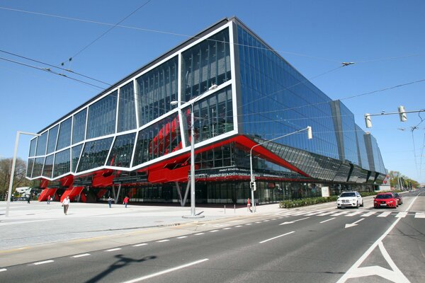 Firma Ingsteel stavala napríriklad zimný štadión v Bratislave.