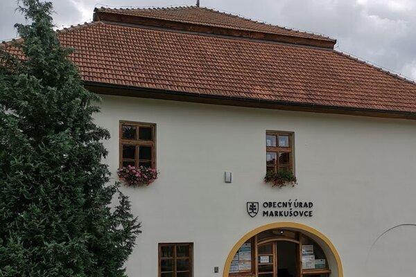 Obecný úrad Markušovce.