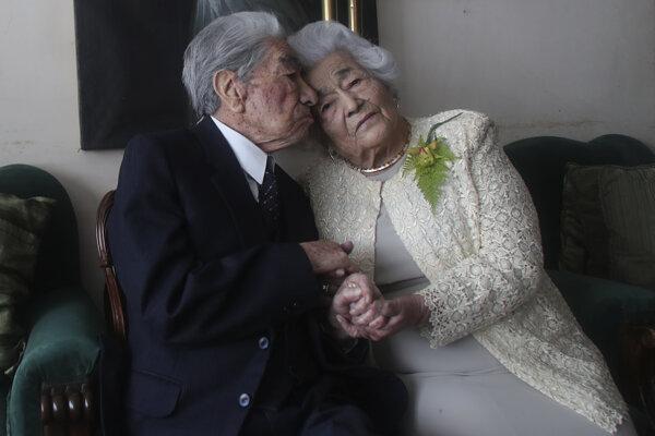 Julio Mora a Waldramina Quinteros.