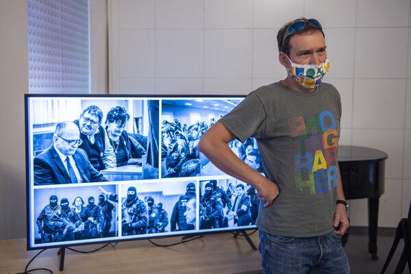 Víťaz ceny Grand Prix súťaže Slovak Press Photo Tomáš Benedikovič.