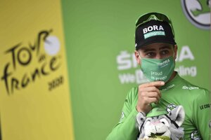Peter Sagan v zelenom drese na Tour de France 2020.