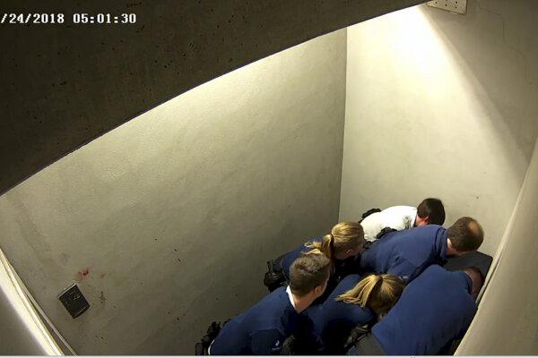 Zásah belgických policajtov proti Jozefovi Chovancovi.