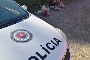 Polícia zadržala v Štúrove ilegálnych migrantov z Iránu.