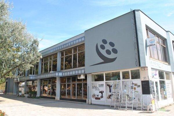 Hlavným miestom podujatia budú priestory kina Apollo.