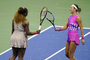 Serena Williamsová (vľavo) a Viktoria Azarenková.