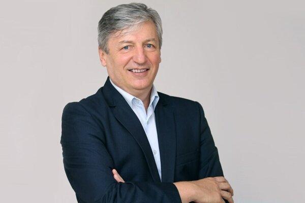 Róbert Tomolya sa ocitol v desiatke finalistov, ktorí sú ašpirantmi na zisk prestížneho ocenenia.