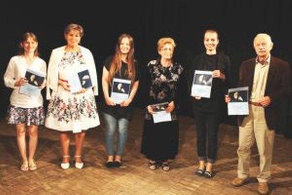 Časť ocenených finalistov Hviezdoslavovho Kubína.