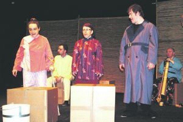 Na vlaňajšom festivale Divadlo z Pasáže uviedlo hru Dobrý človek zo Sečuanu. Tento rok sa predstaví rozprávkou Kde je metla?
