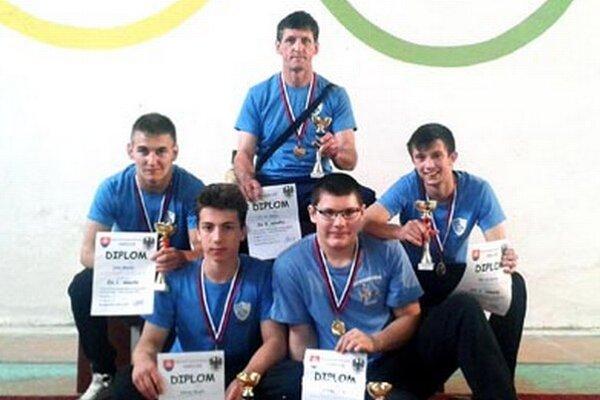 Zápasníci AC Nitra na turnaji v Rimavskej Sobote.
