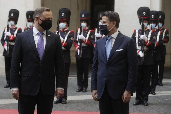 Poľský prezident Andrzej Duda (vľavo) počas návštevy Talianska s talianskym premiérom Giuseppem Contem.