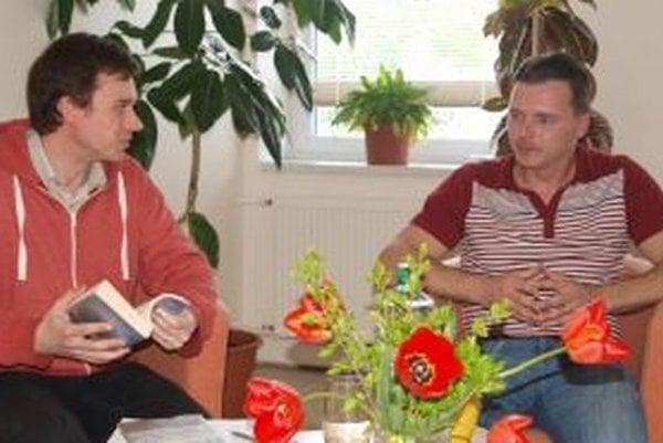 Martina Rajca v krajskej knižnici vyspovedal Vlado Salay.