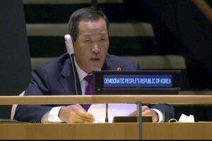 Veľvyslanec Kórejskej ľudovodemokratickej republiky pri OSN Kim Song hovorí na 75. Valnom zhromaždení OSN 29. septembra 2020 v New Yorku.