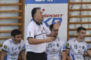 Tréner Slavko Goluža so svojimi zverencami si na mená súperov v EHL ešte musí počkať.