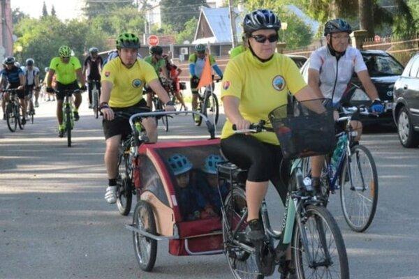 Aj takto sa dá zúčastniť na zraze cyklistov.