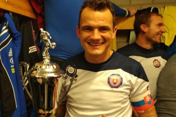 Mário Kurák ako člen futbalovej reprezentácie slovenských hasičov.