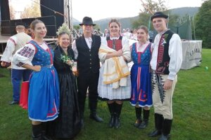 Opatovské kroje bolo vidieť počas celého Slovenského dňa kroja.