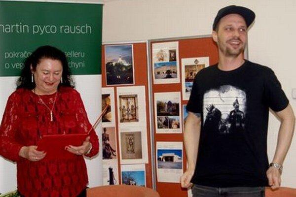 V krajskej knižnici Martin Pyco Rausch besedoval so stredoškolákmi.