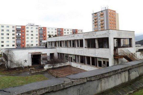 Budova na Nedbalovej ulici je v katastrofálnom stave.