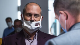 Štyri roky a štyri mesiace pre Kotlebu: Ako vyzeral pondelok na súde (video)