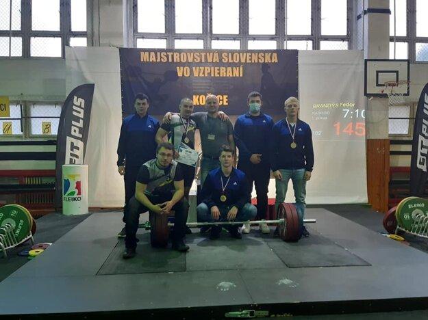 Medailové družstvo mužov z Krásna.
