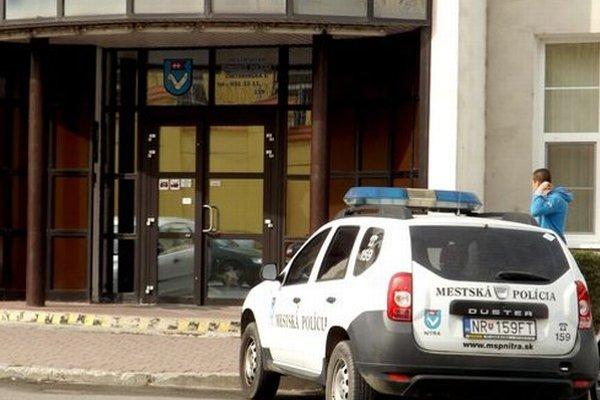 Nitrianska mestská polícia sídli na Cintorínskej ulici.