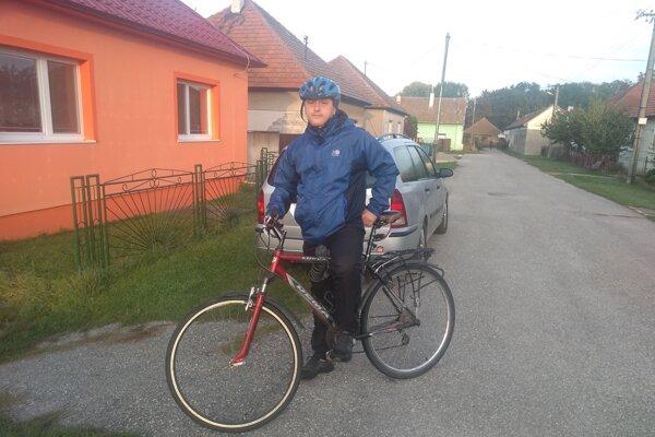 Ján Poluch po celý september chodieval do práce na bicykli. Jedna cesta merala približne 10 kilometrov.