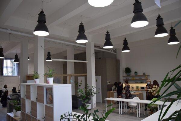 Coworkingové centrum Priestor chce byť akýmsi inkubátorom kreativity. Je určené nielen pre podnikateľov, ale aj podnikavcov.